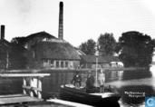 Pannenfabriek bij pontveer
