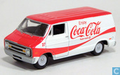 Modellautos - Johnny Lightning - Dodge D-150 Van 'Coca-Cola'