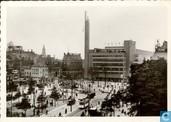 Coolsingel met Bijerkorf en Caland monument