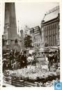 07 - Bloemenmarkt bij het Caland monument - Coolsingel
