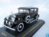Modellautos - Ixo - Cadillac V16 LWB Imperial Sedan 'Al Capone'