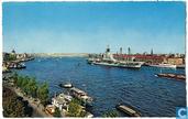 Rotterdam, panorama met vliegdekschip Karel Doorman