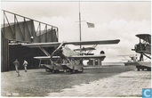 Fokker C-VII W op vliegkamp De Mok