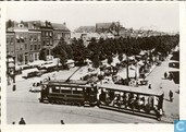 08 - Goudsesingel met weekmarkt