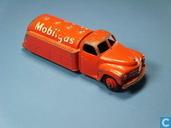 Studebaker Tanker 'Mobilgas'