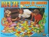 Reuze Adders en Ladders