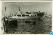 H 16. Vliegdekschip Karel Doorman R81 in Rotterdam