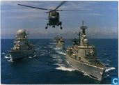 Groep escorteschepen van de Kon. Marine met Westland Lynx