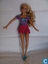 Barbie met topje en rok