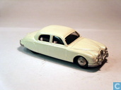 Jaguar 2.4 Saloon - White