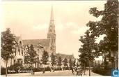 Baronielaan met R.K. Kerk H.Hart