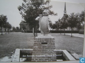 Standbeeld Olivier B. Bommel