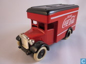 Dennis Parcels Van 'Coca-Cola'
