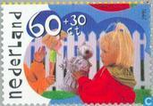 Children's stamps (14: 13 ½ tanding)