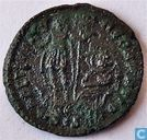 Romeinse Keizerrijk Siscia AE3 Kleinfollis van Keizer Constans 348-350 n.Chr.