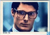 Clark ontvangt de boodschap van Lex Luthor