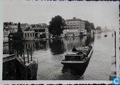 Foto Schip op de Achterzaan, pakhuis Albert Heijn