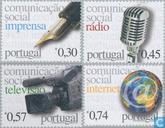 2005 Media (POR 835)