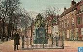 Spinoza Standbeeld Paviljoensgracht